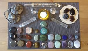 Kristalliteraapia by Kaia-Liisa Reinut, kristallialtar I astme kursusel